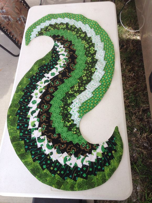 Placemat and spiral table runner